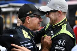 Le poleman Charlie Kimball, Chip Ganassi Racing Honda, et son chef mécanicien Ricky Davis