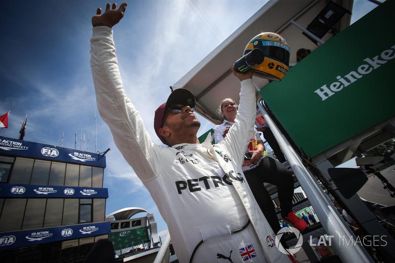 Y al fin en Canadá llegó a ese número, con Schumacher en el horizonte