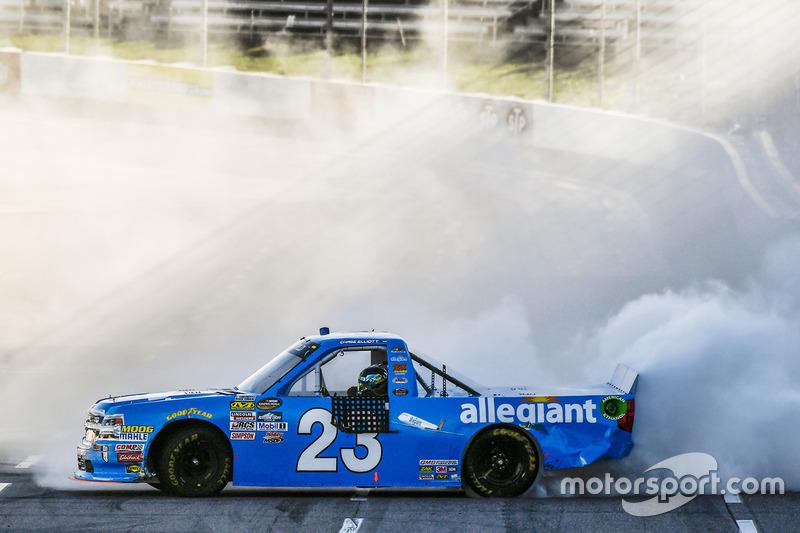 Ganador de la carrera Chase Elliott, GMS Racing Chevrolet