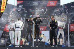 Podio: ganador de la carrera #84 Mercedes-AMG Team HTP Motorsport, Mercedes-AMG GT3: Maximilian Buh