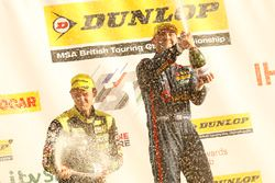 Third place Tom Chilton, Power Maxed Racing Vauxhall Astra, second place Colin Turkington, Team BMW
