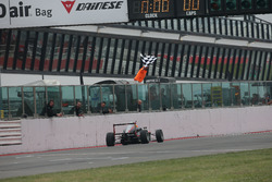 Sebastian Fernandez, Baithech prende la bandiera a scacchi