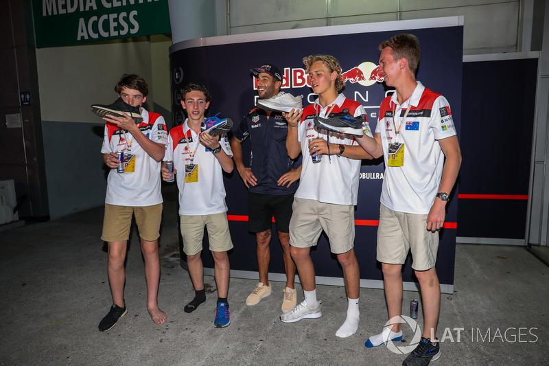 """Мастер-клас """"шуі"""" від Даніеля Ріккардо, Red Bull Racing"""