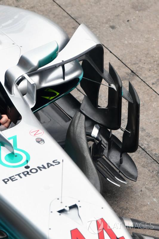 Mercedes-Benz F1 W08, dettaglio di sidepod e barge board