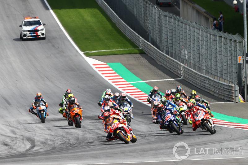 Márquez, mantiene la pole hasta la curva