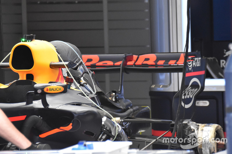 Daniel Ricciardo, Red Bull Racing RB13, rear