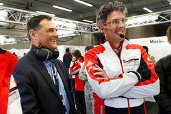 Dr. Frank-Steffen Walliser, Porsche, Motorsportchef, mit Michael Steiner, Porsche