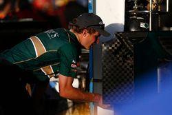 J.R. Hildebrand, Ed Carpenter Racing Chevrolet crew