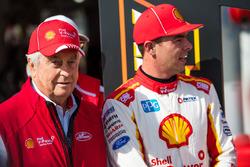 Scott McLaughlin, Team Penske, Ford, mit Roger Penske, DJR Team Penske