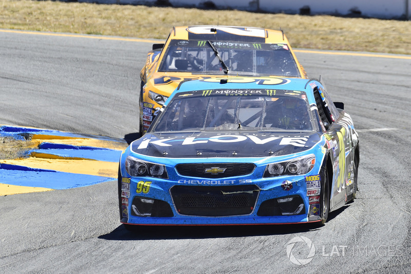 Michael McDowell, Leavine Family Racing Chevrolet, Matt Kenseth, Joe Gibbs Racing Toyota