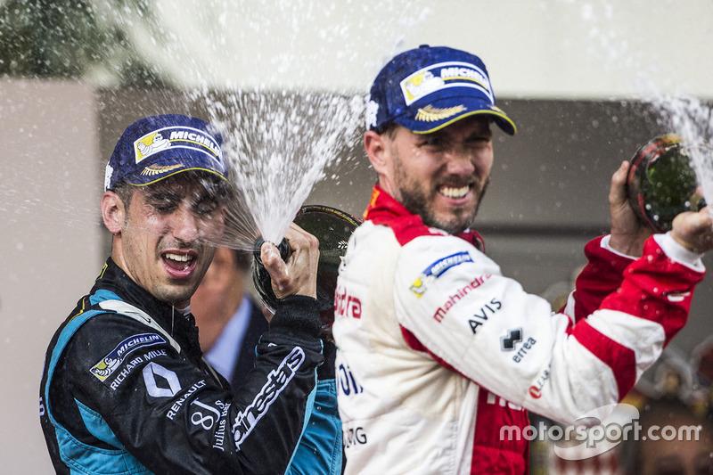 Podio: ganador de la carrera Sébastien Buemi, Renault e.Dams, tercer lugar Nick Heidfeld, Mahindra Racing