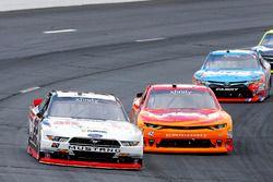 Brad Keselowski, Team Penske Ford and Kyle Larson, Chip Ganassi Racing Chevrolet