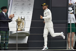 Valtteri Bottas, Mercedes AMG F1, Sir Jackie Stewart, 3-time F1 Champion, on the podium