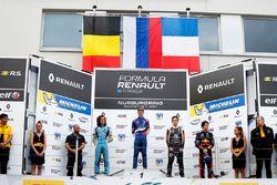 Podyum: Yarış galibi Robert Shwartzman, Josef Kaufmann Racing, Max Defourny, R-ace GP, Sacha Fenestraz, Josef Kaufmann Racing, Dan Ticktum, Arden Motosport