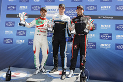 Podium: Race winner Thed Björk, Polestar Cyan Racing, Volvo S60 Polestar TC1, second place Tiago Monteiro, Honda Racing Team JAS, Honda Civic WTCC, third place Rob Huff, All-Inkl Motorsport, Citroën C-Elysée WTCC