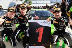 Sieger #63 GRT Grasser Racing Team, Lamborghini Huracan GT3: Mirko Bortolotti, Christian Engelhart,