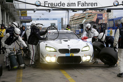 Pit stop, #43 BMW Team Schnitzer, BMW M6 GT3: Alexander Lynn, Antonio Felix Da Costa