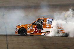 Ganador, Daniel Suarez, Kyle Busch Motorsports Toyota