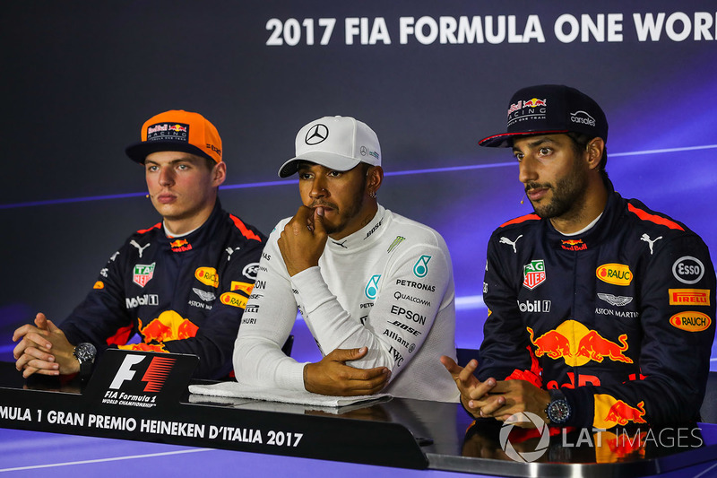 Max Verstappen, Red Bull Racing, Daniel Ricciardo, Red Bull Racing and pole sitter Lewis Hamilton, Mercedes AMG F1 in the Press Conference