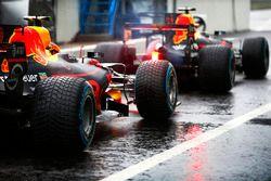 Max Verstappen, Red Bull Racing RB13, Daniel Ricciardo, aux stands