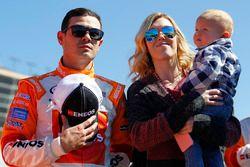 Kyle Larson, Chip Ganassi Racing Chevrolet with Katelyn Sweet and son Owen Miyata Larson