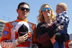 Kyle Larson, Chip Ganassi Racing Chevrolet with Katelyn Sweet and son Owen Miyata Larson