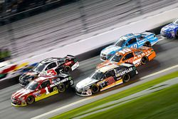 Jamie McMurray, Chip Ganassi Racing Chevrolet; Ryan Newman, Richard Childress Racing Chevrolet, Carl