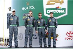 Тим Паппас, Ники Катсбург, Патрик Лонг и Энди Пилигрим, #540 Black Swan Racing Porsche GT3 R