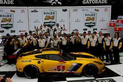Les vainqueurs en GTLM : #4 Corvette Racing Chevrolet Corvette C7.R : Oliver Gavin, Tommy Milner, Marcel Fässler