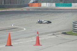 Лорис Баз, Avintia Racing: падение после взрыва шины