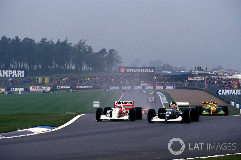 Karl Wendlinger, Sauber and Michael Andretti, Mclaren Ford make contact