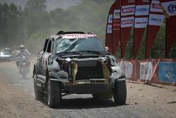 #302 X-Raid Team MINI: Nani Roma, Alex Haro terminent la spéciale avec une voiture endommagée