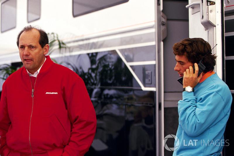 McLaren только что потеряла моторы Honda и перешла на клиентские двигатели Ford. Тем не менее Сенна, не имея никаких альтернатив, согласился остаться в команде Рона Денниса, но только при одном условии – что он будет продлевать контракт после каждого Гран