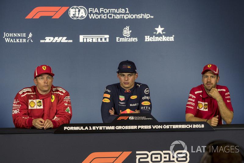 De gauche à droite : Kimi Raikkonen, Ferrari, Max Verstappen, Red Bull Racing and Sebastian Vettel, Ferrari lors de la conférence de presse