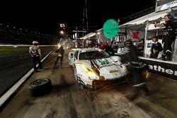 #63 Scuderia Corsa Ferrari 488 GT3, GTD: Cooper MacNeil, Alessandro Balzan, Gunnar Jeannette, Jeff Segal au stand