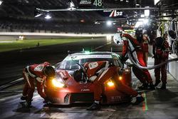 #48 Paul Miller Racing Lamborghini Huracan GT3, GTD: Madison Snow, Bryan Sellers, Andrea Caldarelli, Bryce Miller, pit stop
