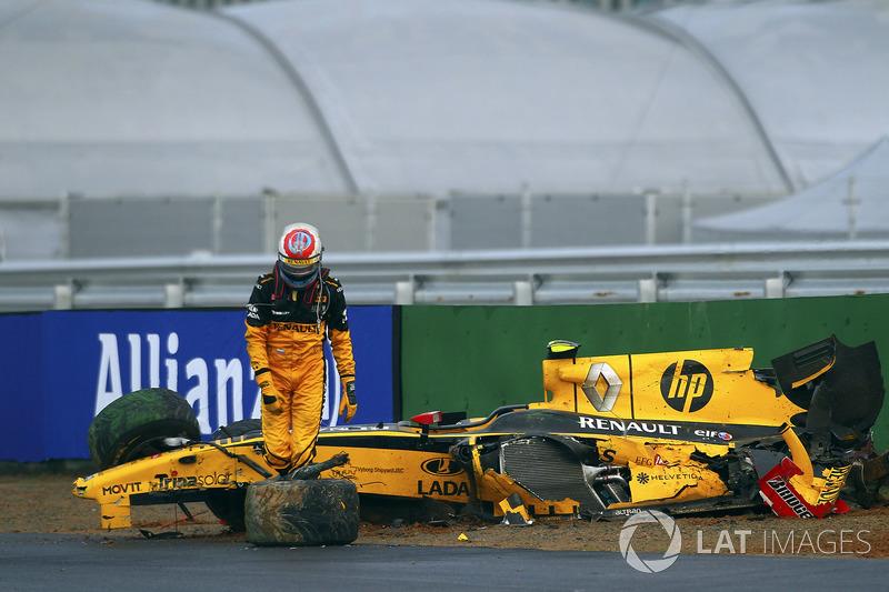 Accidente de Vitaly Petrov, Renault R30