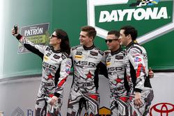 #86 Michael Shank Racing Acura NSX: Katherine Legge, Alvaro Parente, Trent Hindman, A.J. Allmendinge