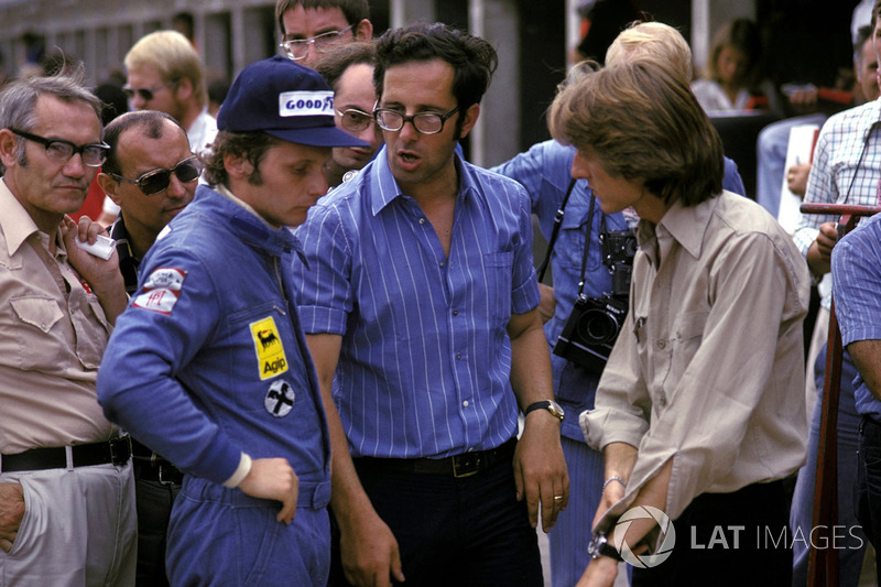 Niki Lauda, Ferrari, con Mauro Forghieri, diseñador de Ferrari y Luca di Montezemolo, Ferrari manage
