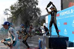 Sébastien Buemi, Renault e.Dams, Andre Lotterer, Techeetah, Jean-Eric Vergne, Techeetah, sprays the