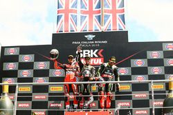 Podium: Ganador, Jonathan Rea, Kawasaki Racing, segundo, Chaz Davies, Aruba.it Racing-Ducati SBK Team, tercero, Tom Sykes, Kawasaki Racing