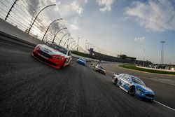 Kevin Harvick, Stewart-Haas Racing, Ford Fusion Busch Light and Ryan Blaney, Team Penske, Ford Fusion REV Group