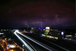 Fulmini e atmosfera notturna
