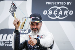 Podium: Winnaar Yvan Muller, YMR Hyundai i30 N TCR