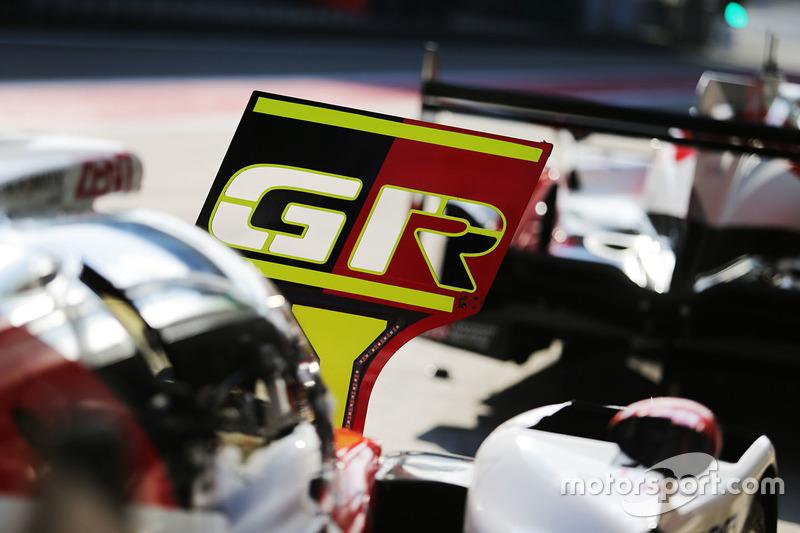Dettaglio del pitboard Toyota Gazoo Racing