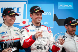 Podium: Race winner Tom Chilton, Sébastien Loeb Racing, Citroën C-Elysée WTCC, second place Yann Ehrlacher, RC Motorsport, Lada Vesta , third place Esteban Guerrieri, Honda Racing Team JAS, Honda Civic WTCC