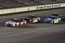 Ryan Blaney, Team Penske Ford, Austin Dillon, Richard Childress Racing Chevrolet, Daniel Hemric, Ric