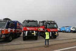 Teams prepare in Le Havre for the long trip to Lima, Peru