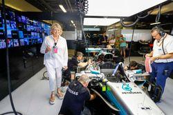 Martha Stewart with the car of Lewis Hamilton, Mercedes AMG F1 W08
