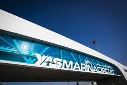 Le pont du Circuit de Yas Marina